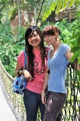 201010 surabaya prigen 34 - my daughter and her friend