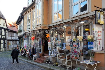 Germany - Harz - Quedlinburg, Christmas decoration shop at foot of Casle hill