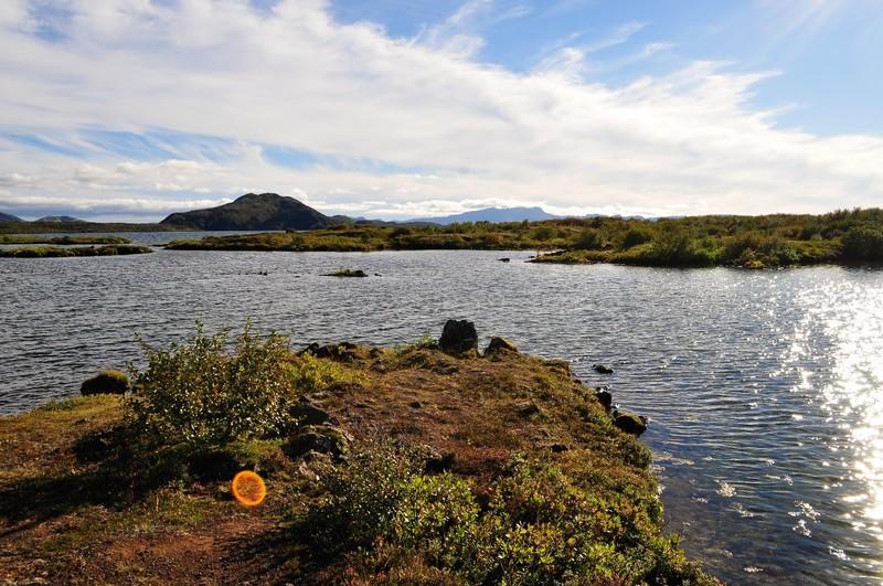 lake next to Þingvellir iceland
