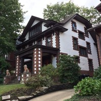 Squirrel Hill House