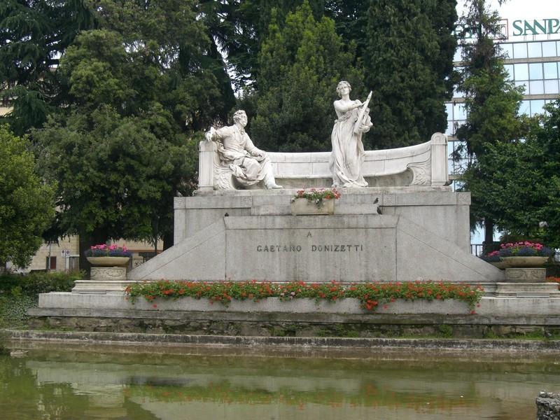 large_Statua-Donizetti.JPG
