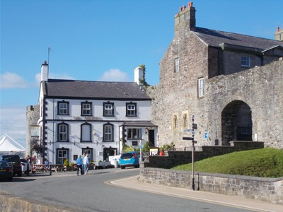 The Anglesey Pub and Bed and Breakfast.  Comfy, nice meals in pub.