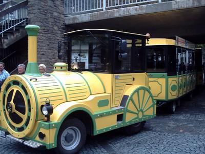 COCHEM  GERMANY..    TOURIST TRAIN.