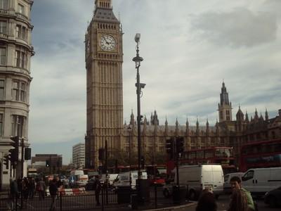 LONDON  ENGLAND..--  Elizabeth  Tower  [  Big Ben