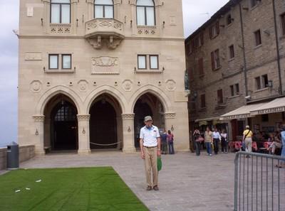 SAN MARINO,  Palazzo Pubblio.
