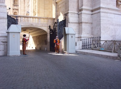 VATICAN  CITY.ITALY.. Swiss Guards at St. Peters Cathedral.