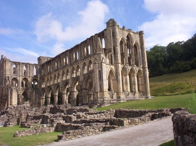 RIEVAULX  ABBEY.--- Majestic ruin.----First Monks in AD 1131.came  from  France.