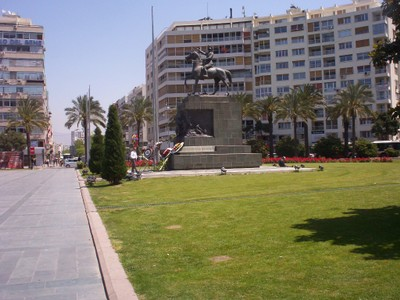 TURKEY  IZMIR..  Ataturk Monument. --  Turkish  Independance. --  Mustafa Kemal Ataturk.