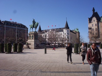 MALMO SWEDEN.   Stortorgat,,large square with statue of King Karl X.