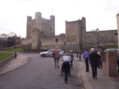 ROCHESTER,  KENT,  UK.  -- Castle built  to  guard the river crossing..  12th  century  Keep.  113ft  [34m