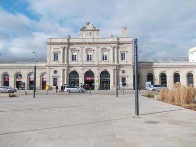 REIMS  FRANCE. -- Rail  station.