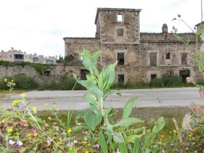 LLANES,  SPAIN.  --   Ruin.