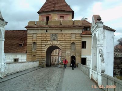 CZECH.. CESKY  KRUMLOV..-----Red Gate.