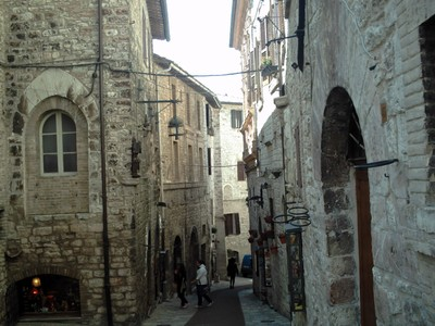 ASSISI  ITALY.  Narrow hill  street.