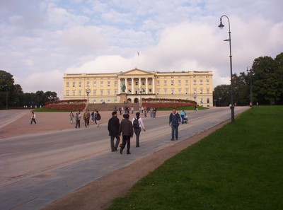 OSLO  NORWAY .  Royal Palace, at the end of Karl Johans Gate , in Royal Park Central Oslo.. Built in early 19th century.