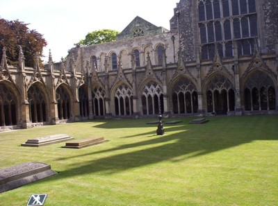 CANTERBURY  ENGLAND .   Cathedral  Cloisters.