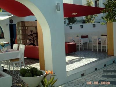 TURKEY  BODRUM   -- Su Hotel outdoor breakfast area.