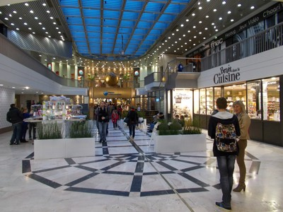 RENNES,  FRANCE. ---  F.N.A.C.  Shopping centre.
