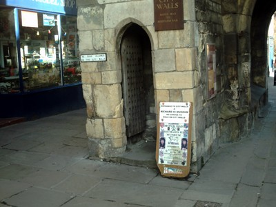 ENTRANCE TO CITY WALL AT MONK BAR FOR RICHARD 111 MUSEUM