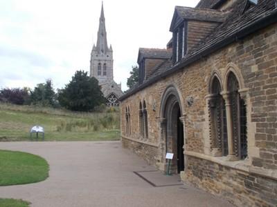 OAKHAM RUTLAND.  Castle Great Hall with parish church spire.