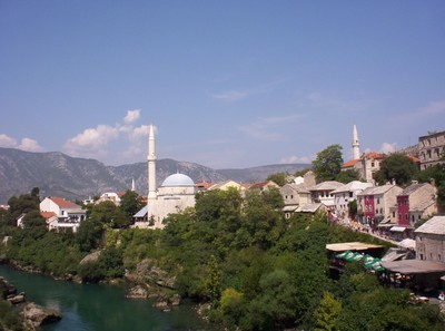 MOSTAR,  BOSNIA  HERZEOGOVINA.   View  from  bridge  with  Neretva   river.