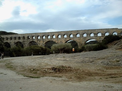FRANCE,   PONT DU  GARD.   Approaching the  Aqueduct.