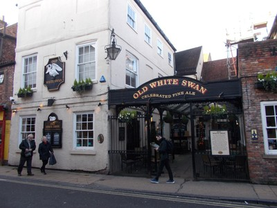 GOODRAMGATE. OLD WHITE SWAN PUB. from 1703.