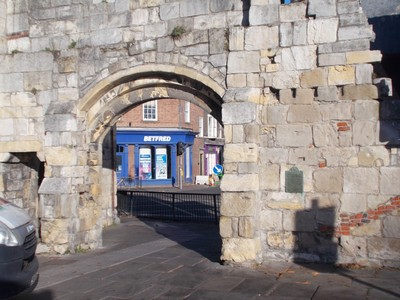 QUEEN MARGARETS ARCH YORK