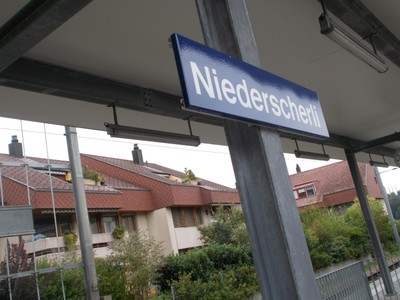 NIEDERSCHERLI  , Train station.