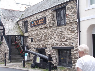 LOOE CORNWALL. Museum and old gaol.