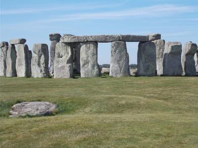 STONEHENGE.  Each stone around 13ft high,  weighing 25 tons.     Salisbury is 8 miles away.