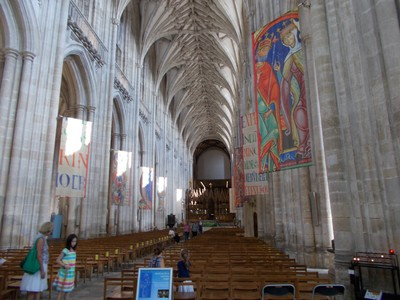 WINCHESTER CATHEDRAL NAVE----78ft  - [ 24m