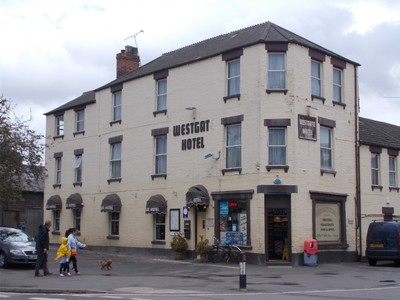 OXFORD  UK.. Westgate hotel near rail station.  Budget hotel ,stayed two nights.