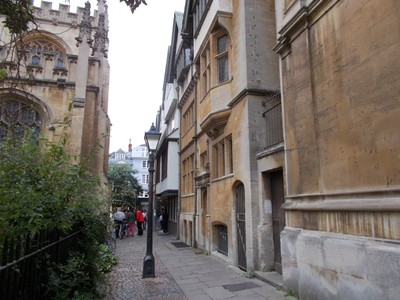 OXFORD UK.  Narrow Lanes.