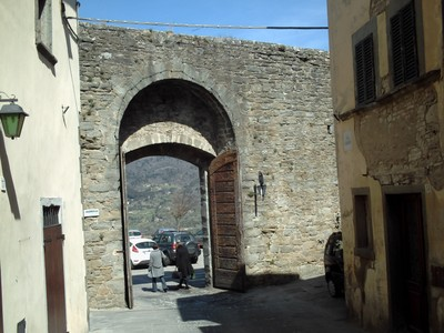CORTONA  ITALY.  Gateway  in  city  wall.
