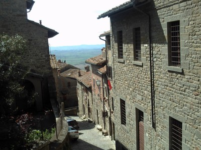 CORTONA  ITALY.  --  One  of the  hilly  streets.