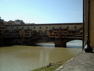 HISTORIC  FLORENCE  ITALY..  Old  stone  arch  bridge ,called  the  Ponte  Vecchio.