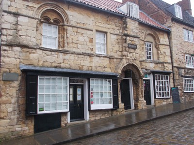 LINCOLN  Jews House on Steep Hill.
