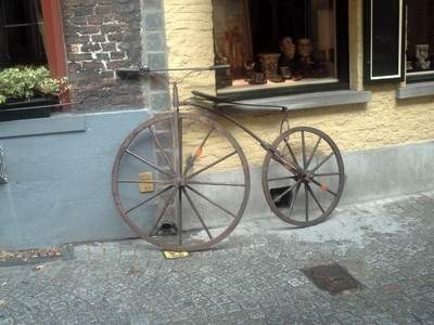 BRUGES  BELGUIM.      Need a new bike !