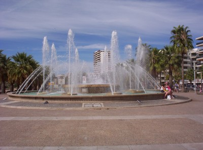 SALOU,  SPAIN.    Fountain  by  day.