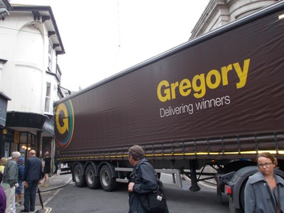 St  Ives. -- Stuck  lorry in  narrow  street.