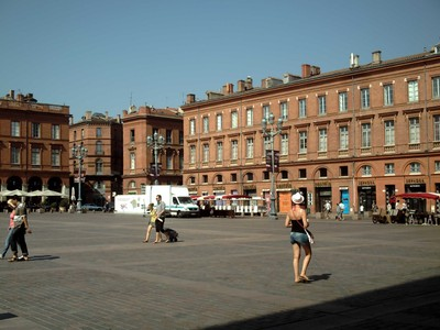 TOULOUSE  FRANCE     Place  du  Capito[e