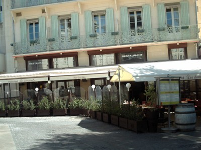 AVIGNON  FRANCE    --Plenty of  Eating  and  Drinking  places.-- Nice  meal  here.