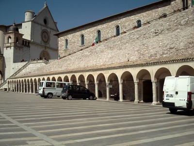 ASSISI   ITALY.     St  Francis   Basilica.,  Lower  Plaza.