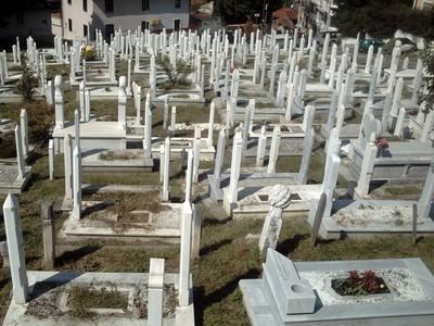 SARAJEVO,BOSNIA  HERZAGOVINA.   Gleaming  white  graves  from  Bosnian  War.
