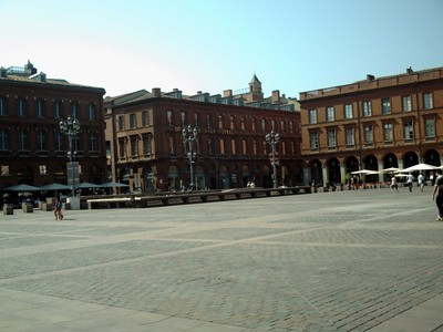 TOULOUSE  FRANCE,  Crowne Plaza Hotel  in  Place Du  Capitale