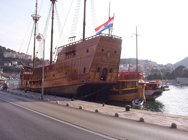 DUBROVNIK  CROATIA.      Ship with Groatian flag.
