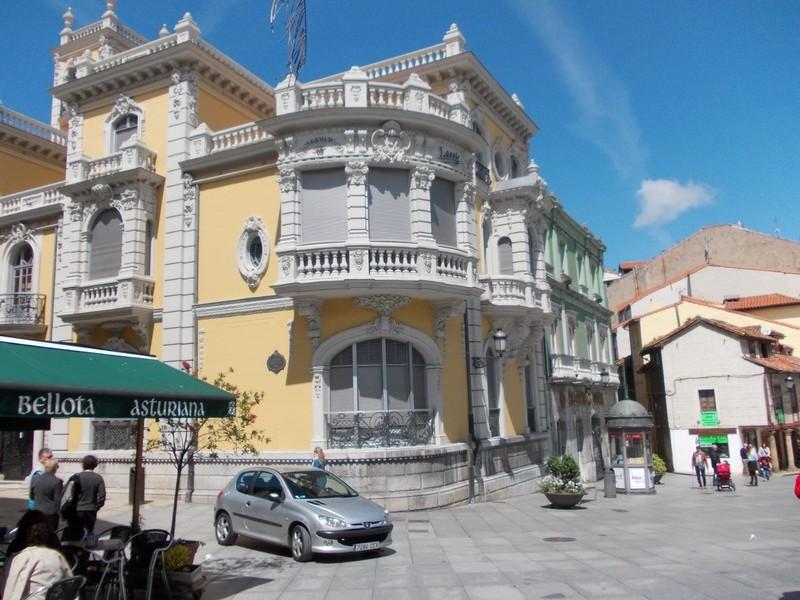 AVILES,  SPAIN.  --  Palacio de Baldera.
