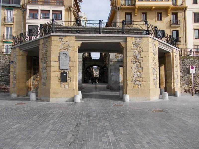 SAN SEBASTIAN  SPAIN,,   Entrance to old town.