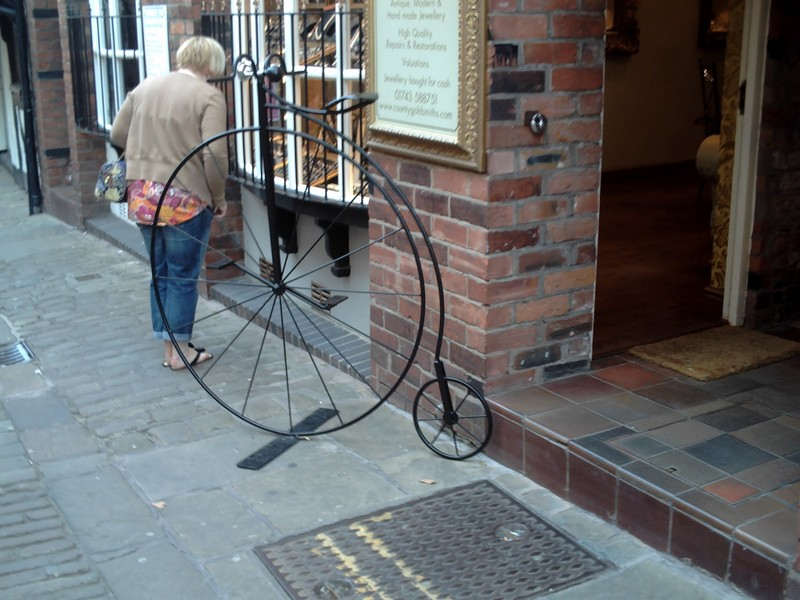 SHREWSBURY,  ENGLAND.    Butchers  Row.------ On Yer  Bike !